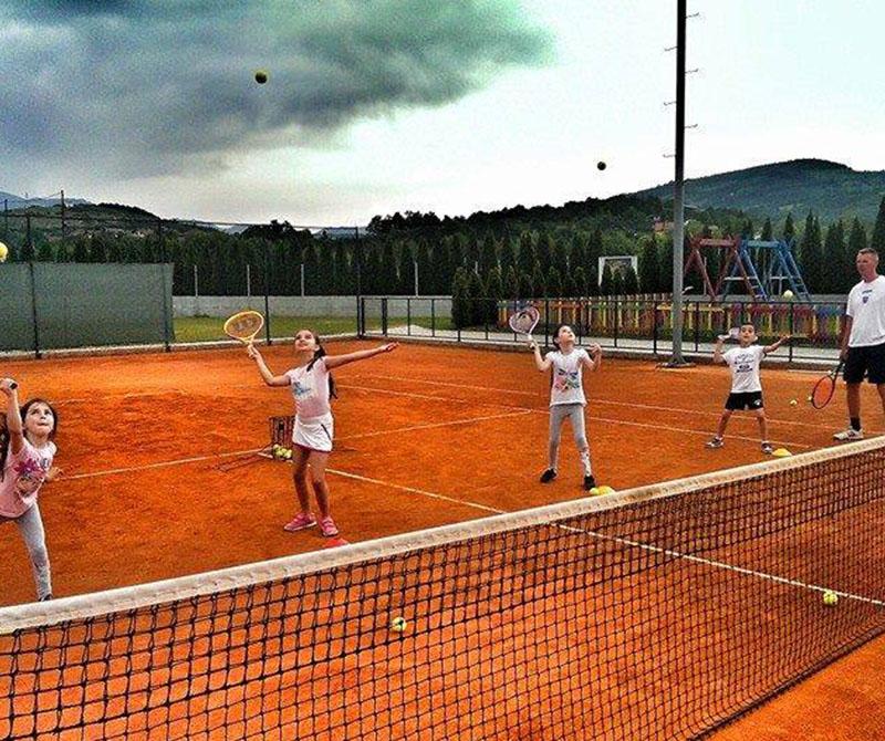 home_sportsclub_court1